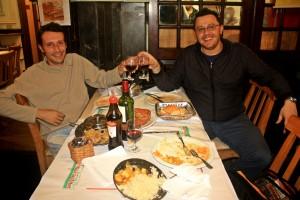Sergi y Victor, cenita en Copacabana