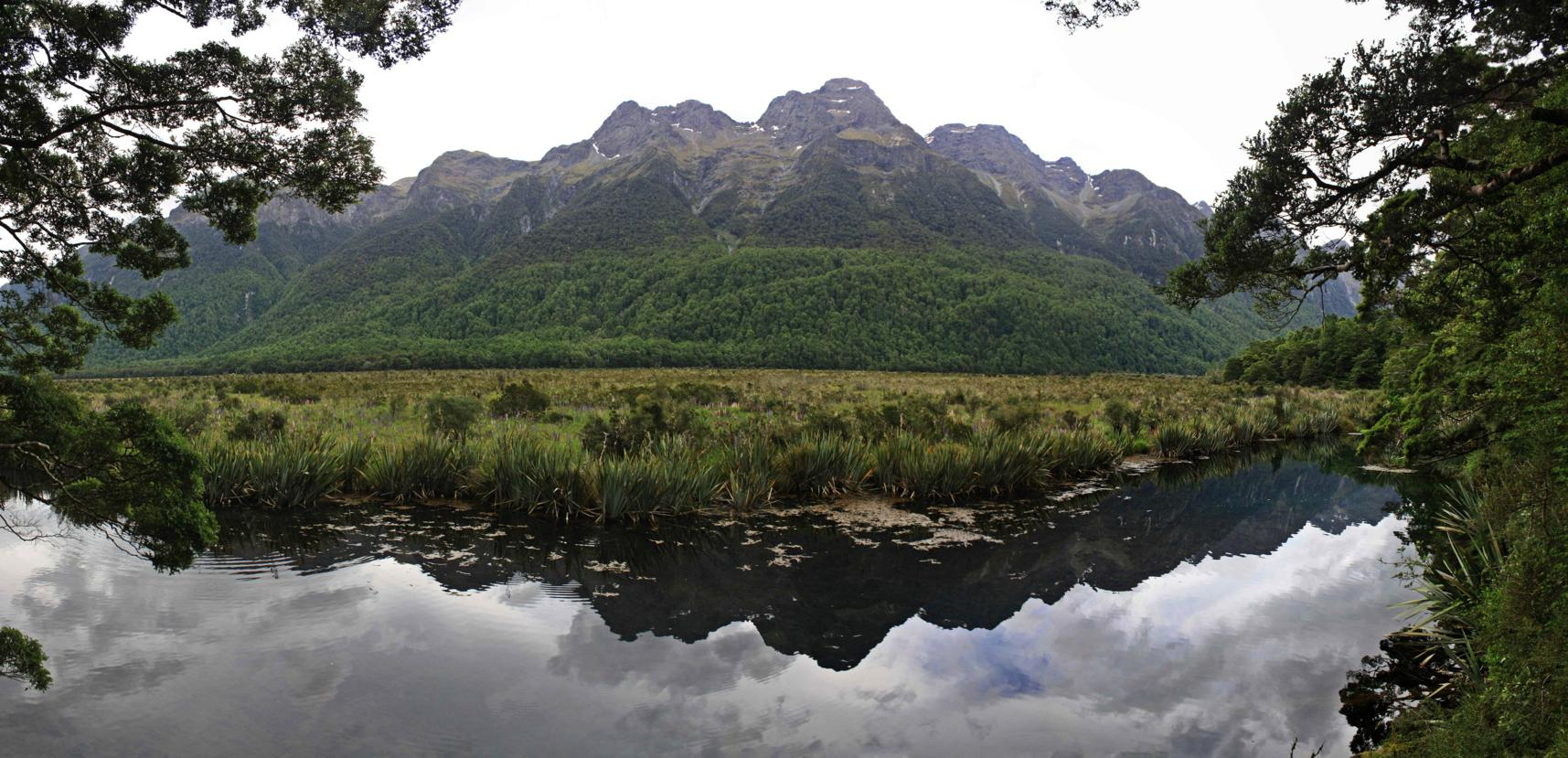 Panoramica_Mirror_lake1_rec_fiordland_web